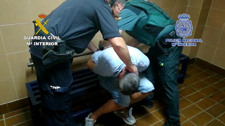 Un detenido por el asesinato de la mujer de Torrox que tenía orden de alejamiento EL MUNDO (Vídeo)